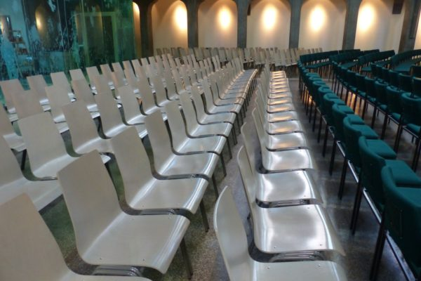 chairs-143250_1920